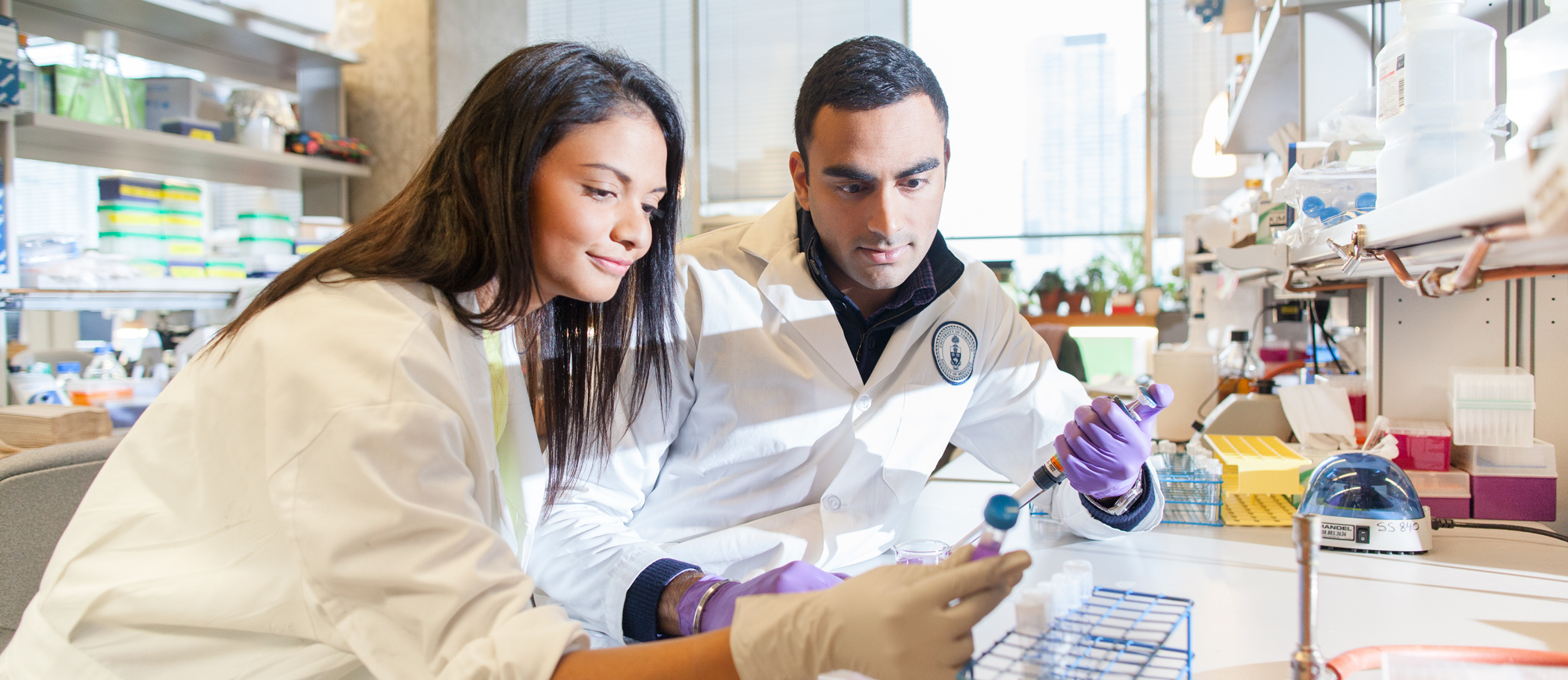 MD/PhD students in lab